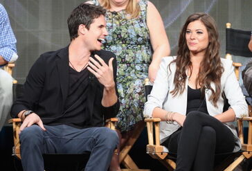 Robbie Amell 209