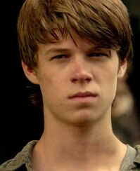 Colin-Ford-Revolution-1x07-colin-ford-32715247-720-404 (1)