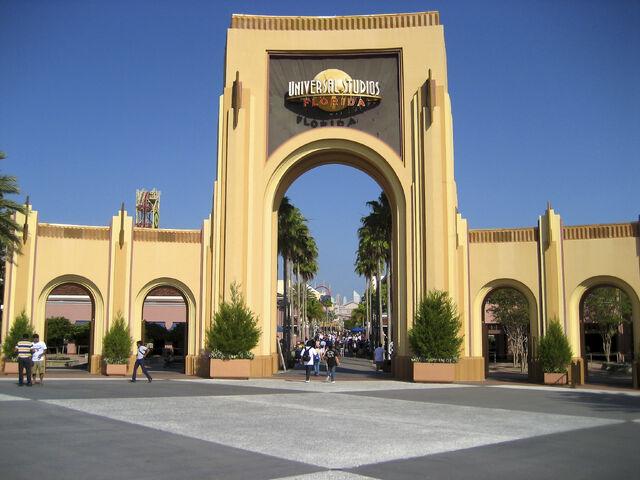 File:USF Entrance.jpg