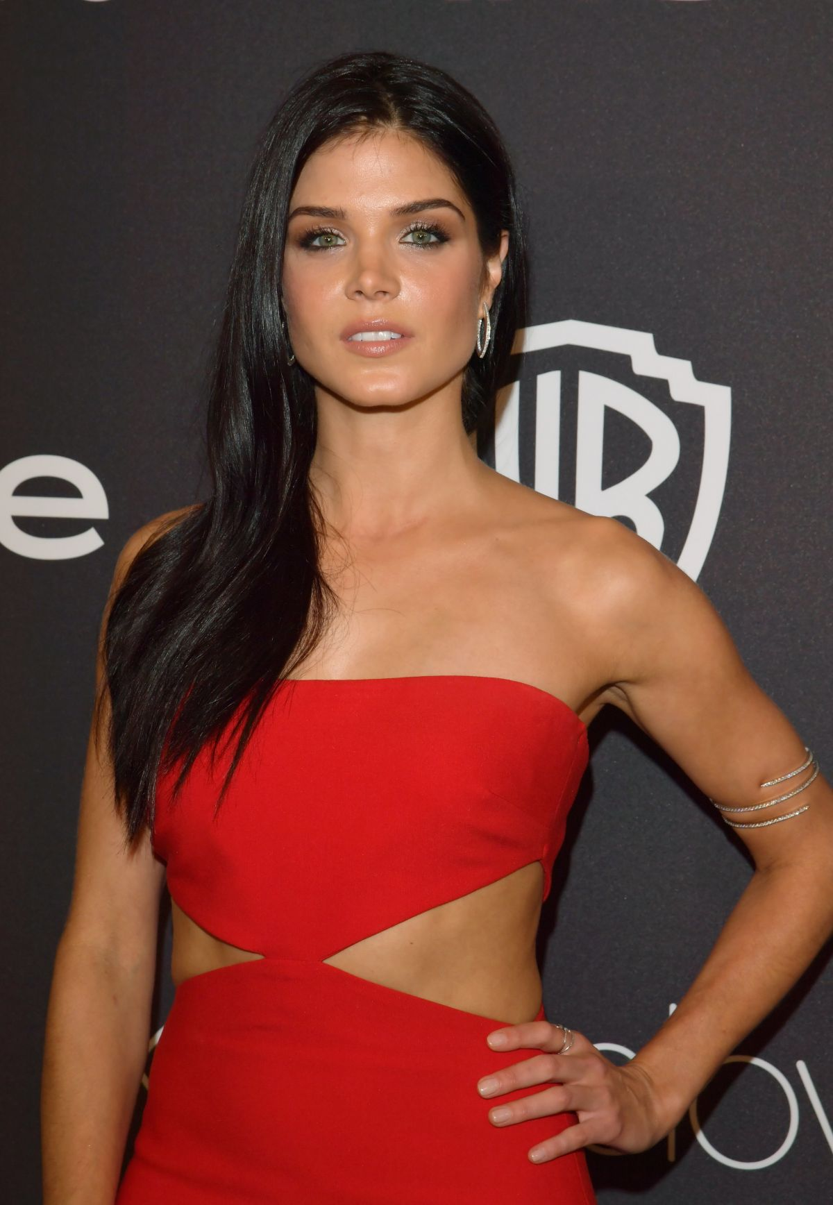 Marie avgeropoulos sexy