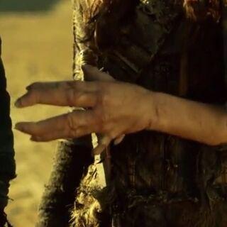 Emoris mutierte Hand