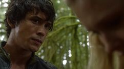 1x03-Earth-Kills-bellamy-and-clarke-the-100-37232558-1916-1076