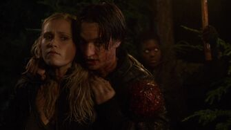 1x04-Murphy-s-Law-bellamy-and-clarke-the-100-37241412-1912-1072