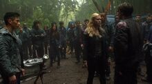1x04-Murphy-s-Law-bellamy-and-clarke-the-100-37241385-1912-1072