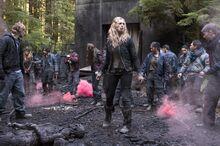 Der Feind meines Feindes Bild 1 The 100 Staffel 1