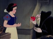 Snow White the Witch and the apple
