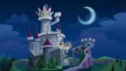 S1e17a castle under the moonlight