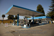 GB111SPOON Sc008 GasStation Photo