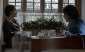 S01E13-Liz Claudia meet