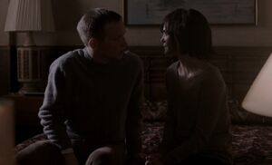 S02E04-Mullin and Liz kiss