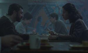 S04E02-Anton Nina cafeteria