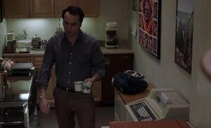S05E02-Kitchenette