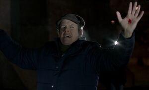 S04E13-William caught