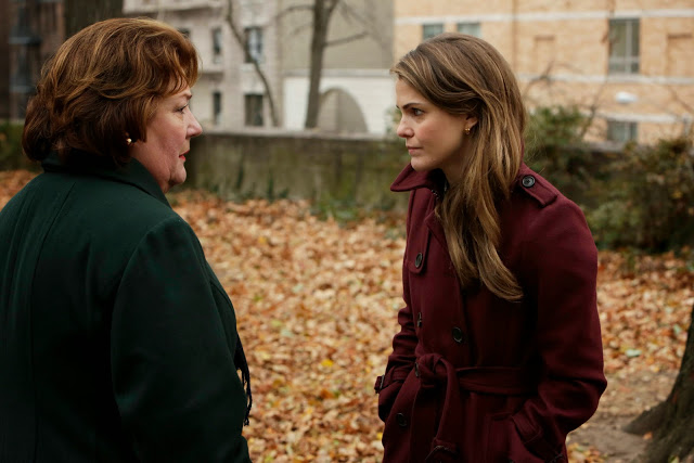 File:The Americans - Episode 2.04 - A Little Night Music - Promotional Photos (4).jpg