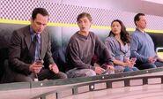 S06E06-Slot car racing