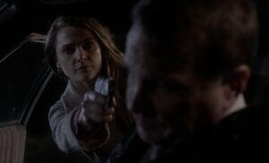 S01E04-Liz shoots guard