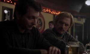 S05E04-Brad and Alexei bar