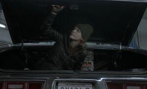 S01E05-Liz sneaks into trunk