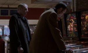 S02E08-Stan Oleg bowling alley