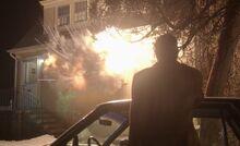 S01E08-House explosion