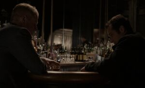 S02E04-Stan Phil at bar