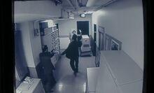 S04E12-Robot arrest