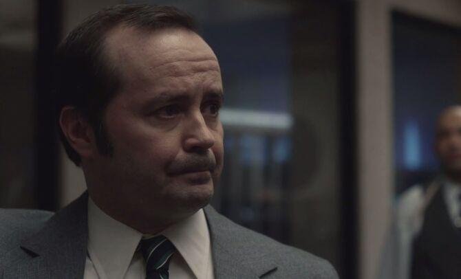 S01E08-Loeb head shot
