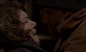 S01E03-Philip chokes Claudia