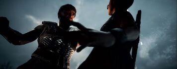 Nikolaos lanza a su hijo