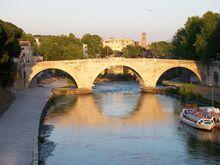 1280px-2012-05-15 Roma ponte Cestio da ponte Garibaldi 2