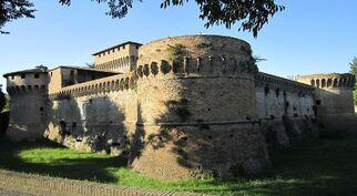 1280px-Rocca di Ravaldino Photo