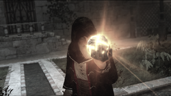 AssassinsCreed Al Mualim holding the Piece of Eden