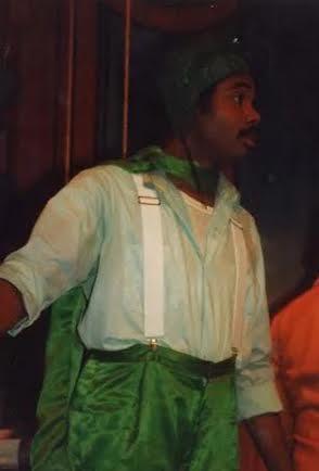 Award-winning actor Darryl Maximilian Robinson as The Wiz.