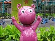 The Backyardigans Uniqua Statue at Nickelodeon Universe