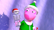 The Backyardigans Giant Robot in Action Elves with Uniqua