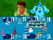 Blue's Clues Mr. Salt and Mrs. Pepper with Cupcakes