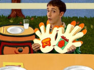 Blue's Clues Sidetable Drawer Thankful Book
