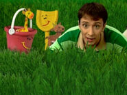 Blue's Clues Shovel and Pail Grassland