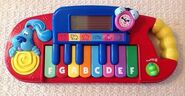 Blue's Clues Play 'n Learn Keyboard - Fisher-Price 2000