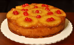 800px-Pineapple-upside-down-cake