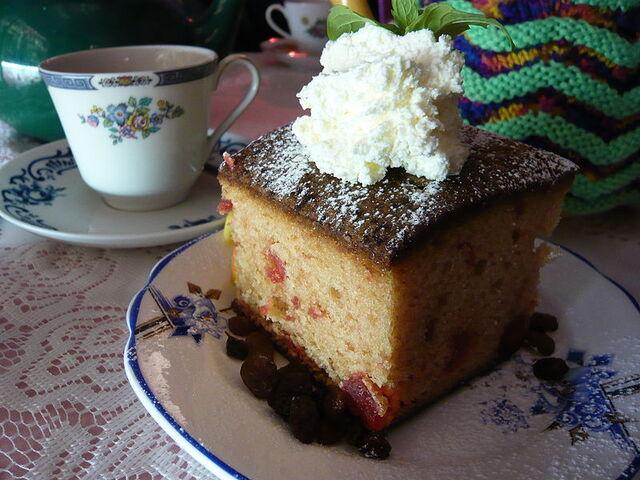 File:800px-Cherry madeira cake.jpg
