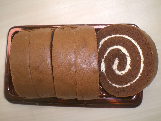 File:Swiss roll choc.JPG