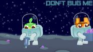 DVS1E2 Astronaut 1 goes away