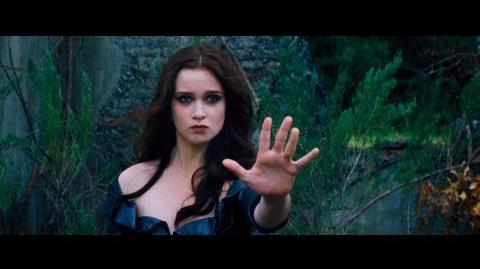 "Beautiful Creatures - ""Pedigree"" Featurette"