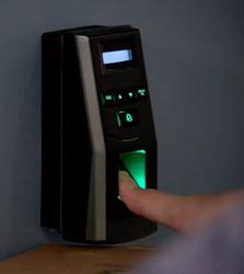 MCD-RACR-ThumbScanner