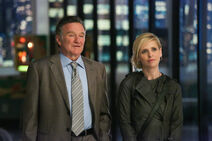 Robin-Williams-and-Sarah-Michelle-Gellar-of-The-Crazy-Ones gallery primary