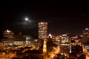 Milwaukee Wisconsin at night 5441