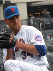 450px-Mike Pelfrey Warming Up