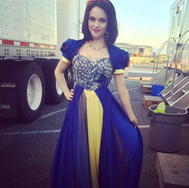 Snow White | Descendants Wiki | FANDOM powered by Wikia