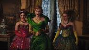 Cate-Blanchett-in-Cinderella